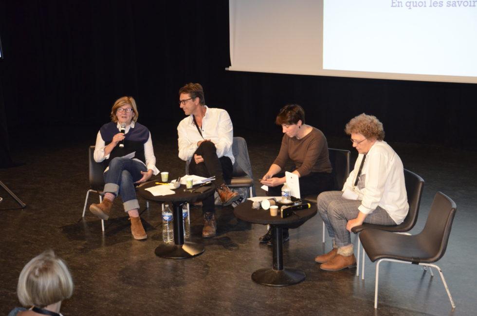 Photo d'une table ronde sur la pair-aidance, le samedi 19 octobre à Paris